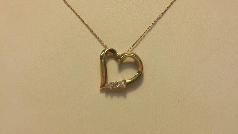 """10k Yellow Gold Necklace & Pendant with 3 Diamonds at .12ctw -.9dwt- Lenght 20"""""""
