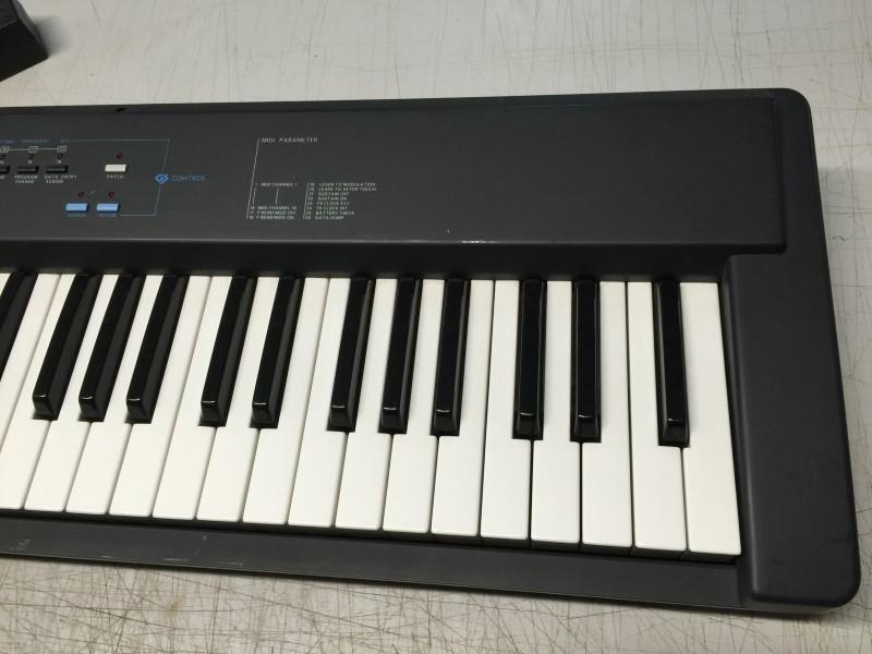 ROLAND A-30 MIDI KEYBOARD CONTROLLER