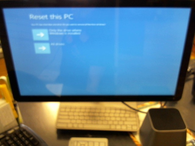 VIZIO PC Desktop CA24 (T-CA27) T