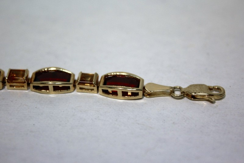 Red Stone Gold-Stone Bracelet 14K Yellow Gold 9.3g