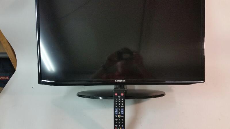 Samsung Model: UN32H5203AFXZA LED Smart Flat Screen TV