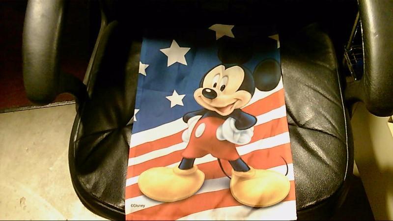 DISNEY MICKEY MOUSE AMERICAN FLAG YARD ORNAMENT