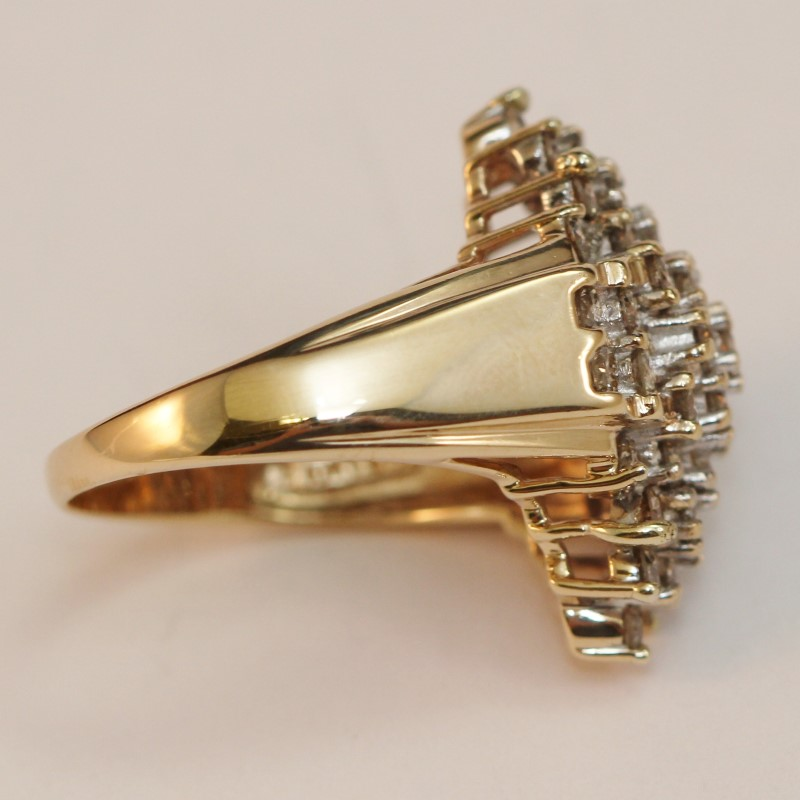 10K Yellow Gold Round Brilliant Diamond Cluster Ring Size 9