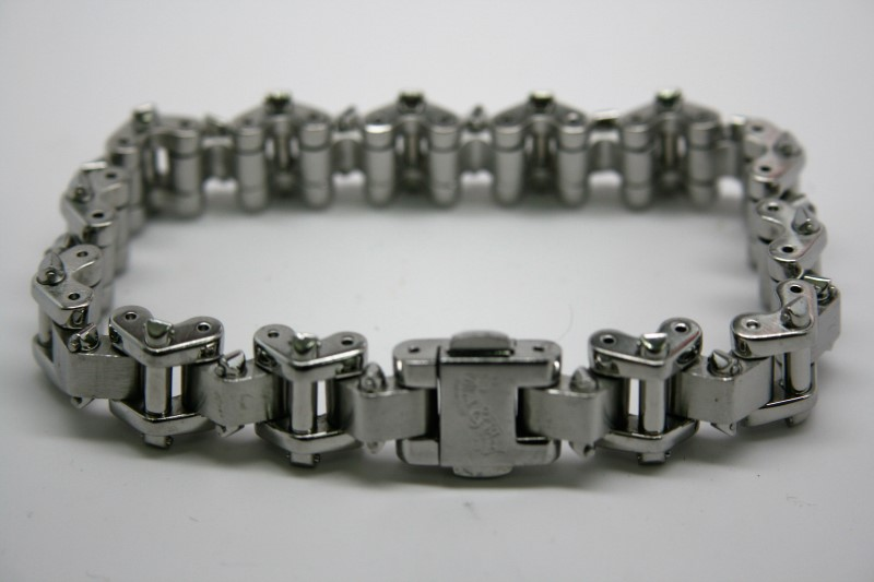 """9.2"""" FASHION STYLE STAINLESS STEEL BRACELET"""