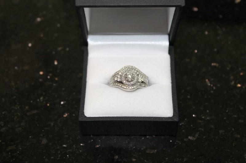 Round Brilliant Cut Diamond 14k White Gold Engagement Ring
