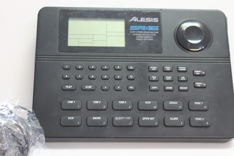 Alesis Drum Machine SR-15