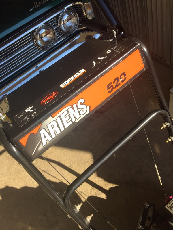 """Ariens 520 Two-Stage (20"""") 5-HP Snow Blower Electric Start"""