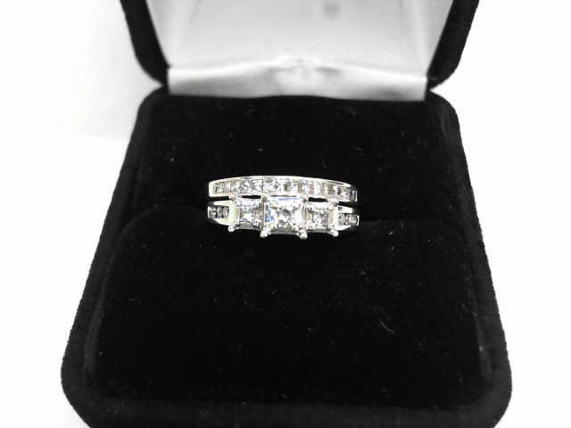Lady's Diamond Cluster Ring 18 Diamonds .20 Carat T.W. 14K White Gold 2.6dwt