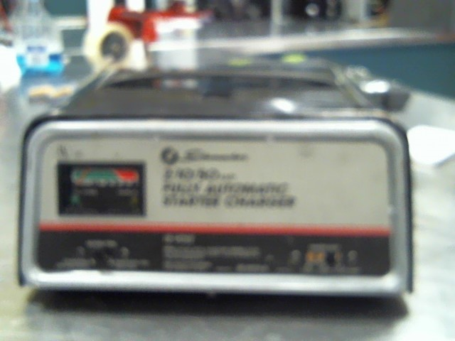 SCHUMACHER Battery Tester AUTOMATIC BATTERY CHARGER