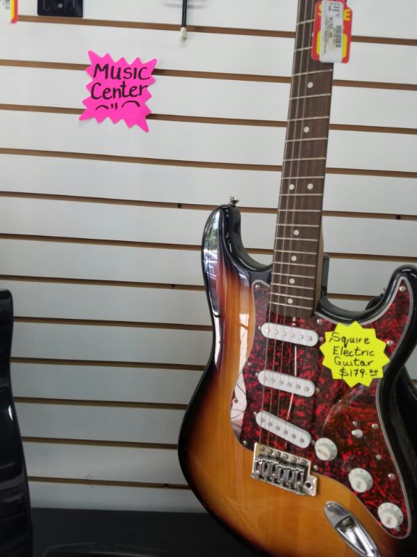 SQUIRE GUITAR-ELECTRIC FENDER