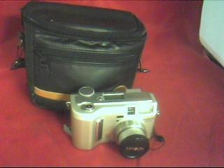 MINOLTA Digital Camera DIMAGE S404