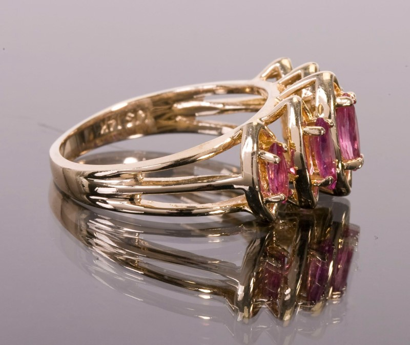 Lady's Ring 14KYG  5 Pink Topaz Stones  4.9g