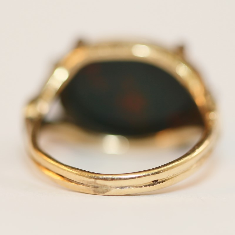 14K Yellow Gold Oval Cut Bloodstone Ring Size 5.25