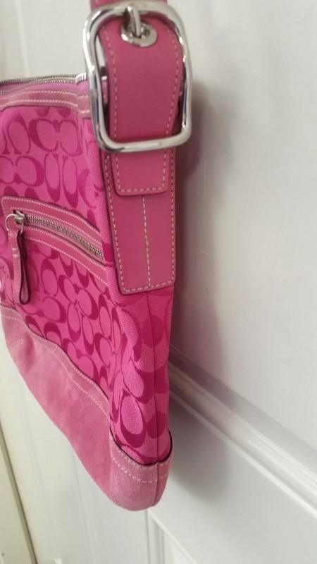 COACH Signature F04K Canvas & Suede Pink Monogram Crossbody Handbag Purse