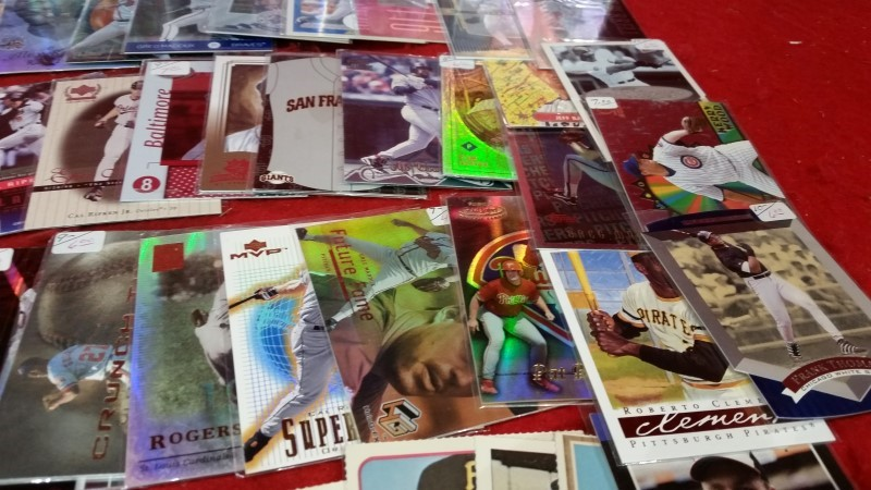 Baseball Card Lot / Approx 131 Cards / Mixed Lot / Sports Cards / Estate