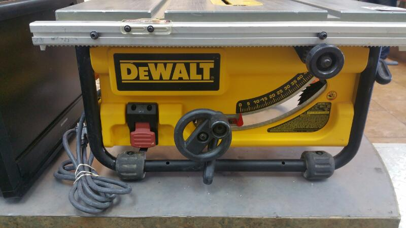 DEWALT Table Saw DW745