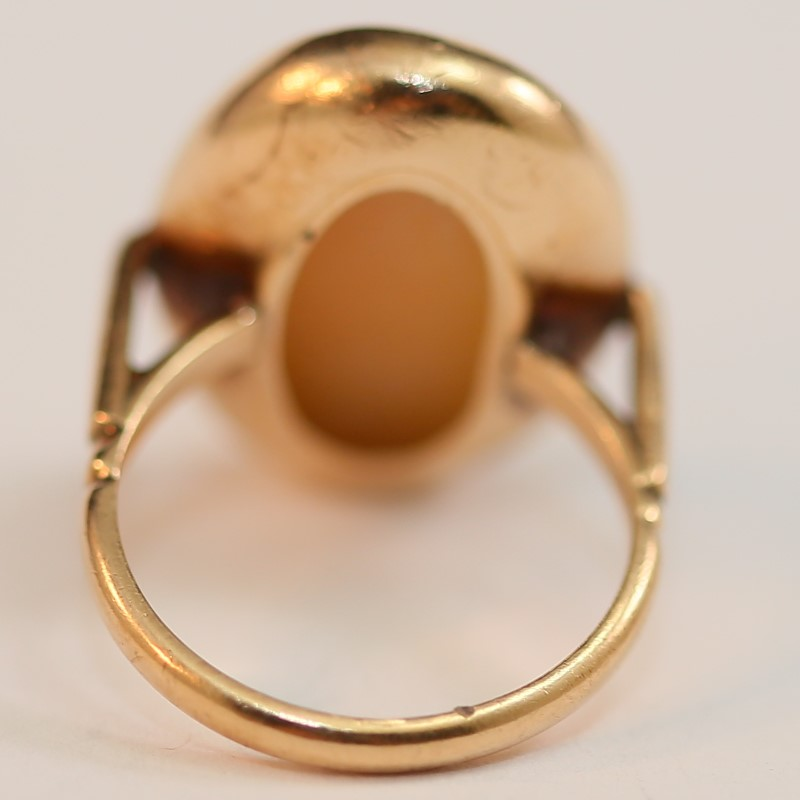 10K Yellow Gold Cameo Ring Size 6