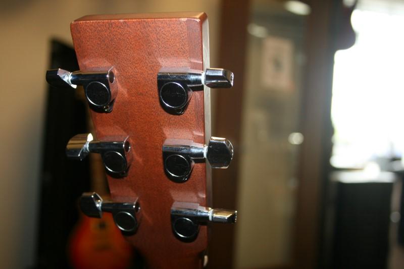 MARTIN Acoustic Guitar CUSTOM