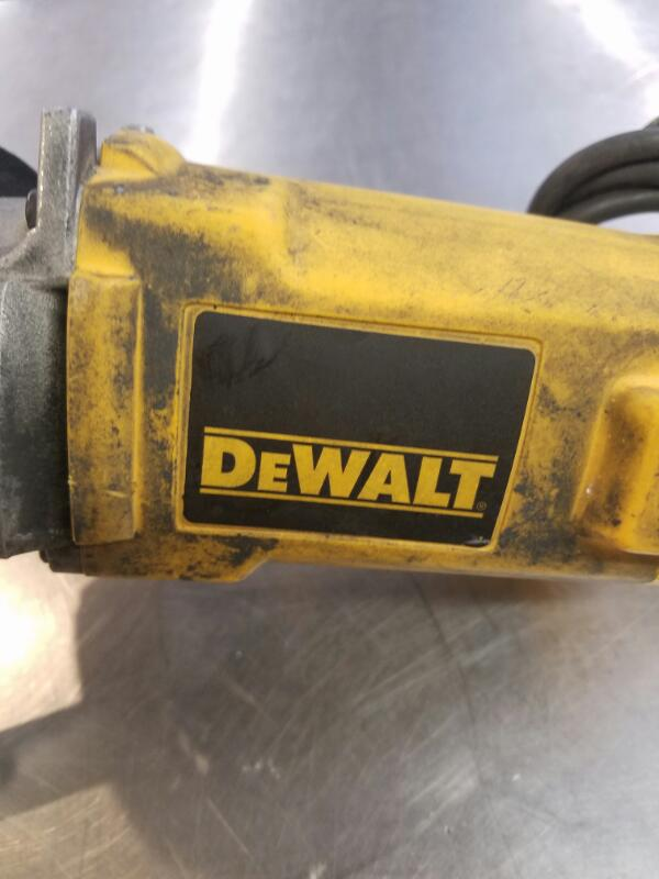 DEWALT Polisher DW845