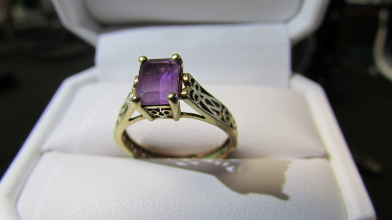 Jade Lady's Stone Ring Yellow Gold Electroplate 1.99g