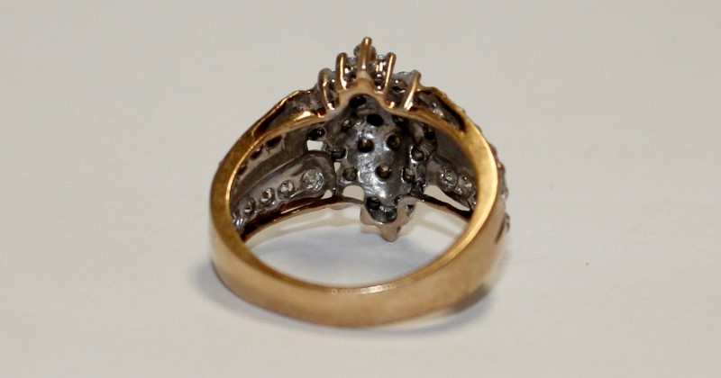 DIAMOND CLUSTER RING 10K YELLOW GOLD SIZE 6