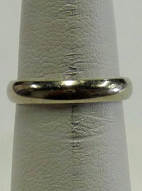 Lady's Gold Ring 14K White Gold 1.78dwt