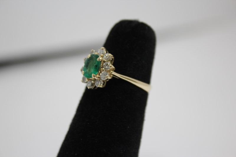 Lady's Emerald & Diamond Ring 10 Diamonds .50CTW 14K Yellow Gold Size: 5.5