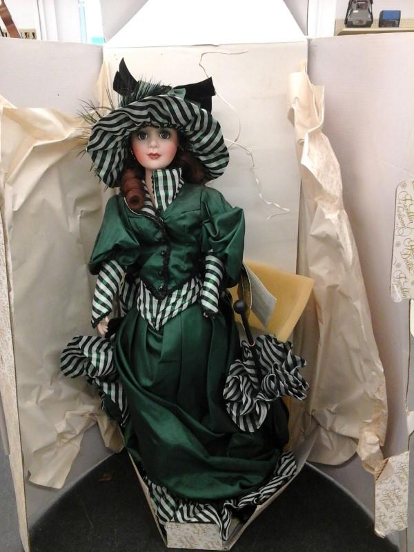 Doll FRANKLIN HEIRLOOM DOLLS
