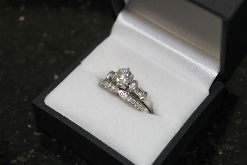 Lady's Diamond Wedding Set 35 Diamonds 1.42 Carat T.W. 14K White Gold 6.9g