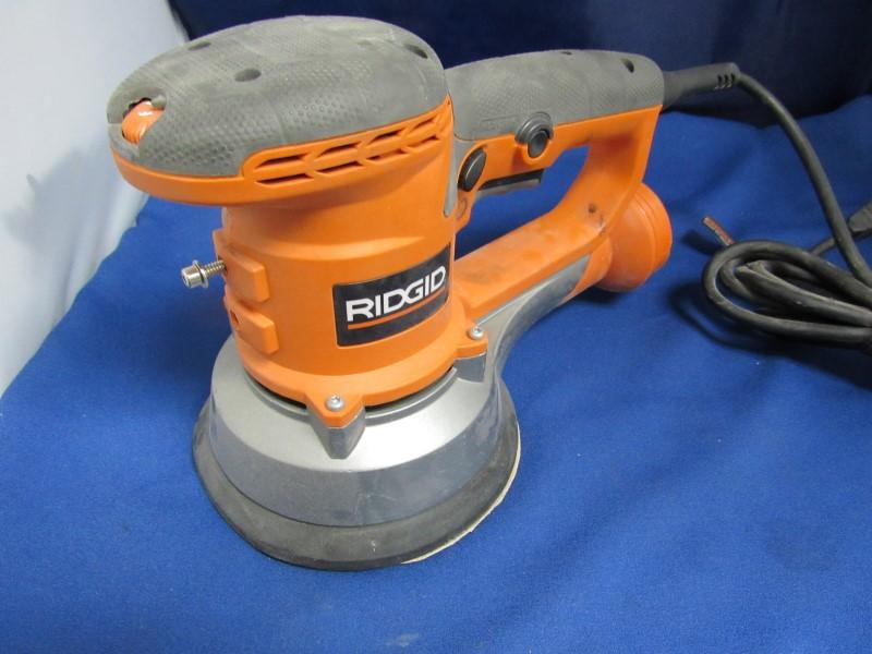 RIDGID VIBRATION SANDER R2611