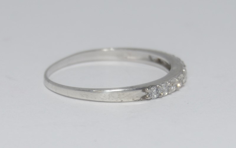 Sterling Silver Cubic Zirconia Raised Wedding Band Ring sz 9.25