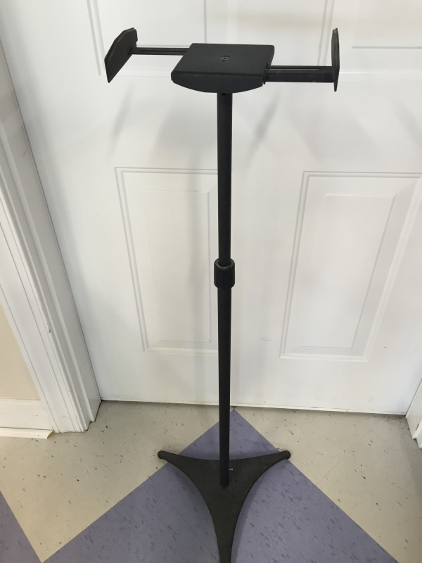 OMNIMOUNT STAND