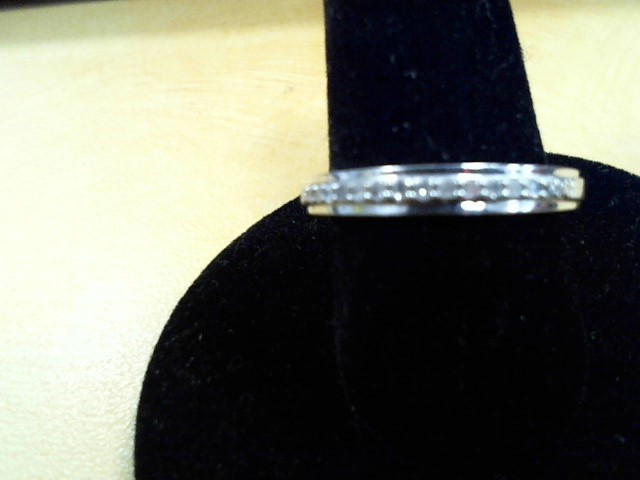Lady's Silver-Diamond Ring 16 Diamonds .16 Carat T.W. 925 Silver 1.8g