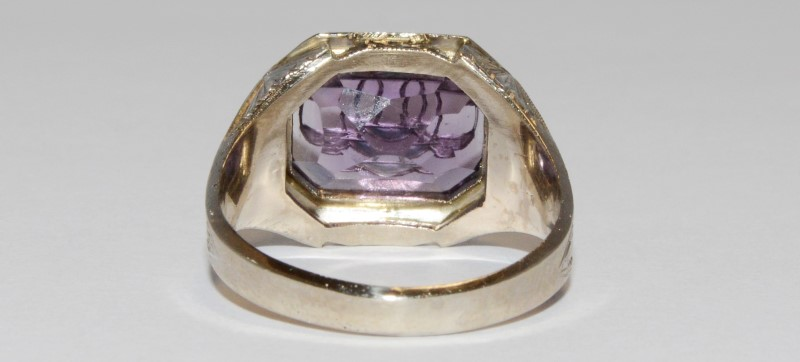 10K Men's Vintage Inspired White Gold Bezel & Emerald Cut Amethyst Ring SZ 8.5