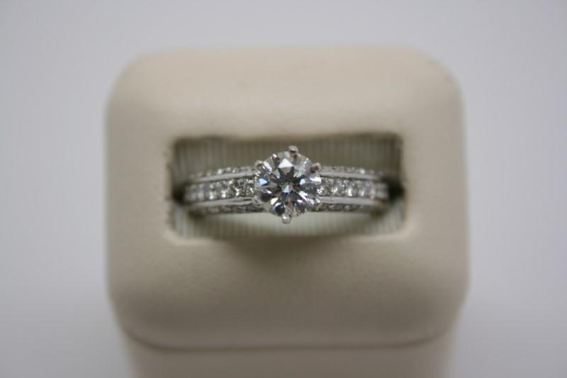LADY'S FASHION DIAMOND SOLITAIRE RING 14K WHITE GOLD