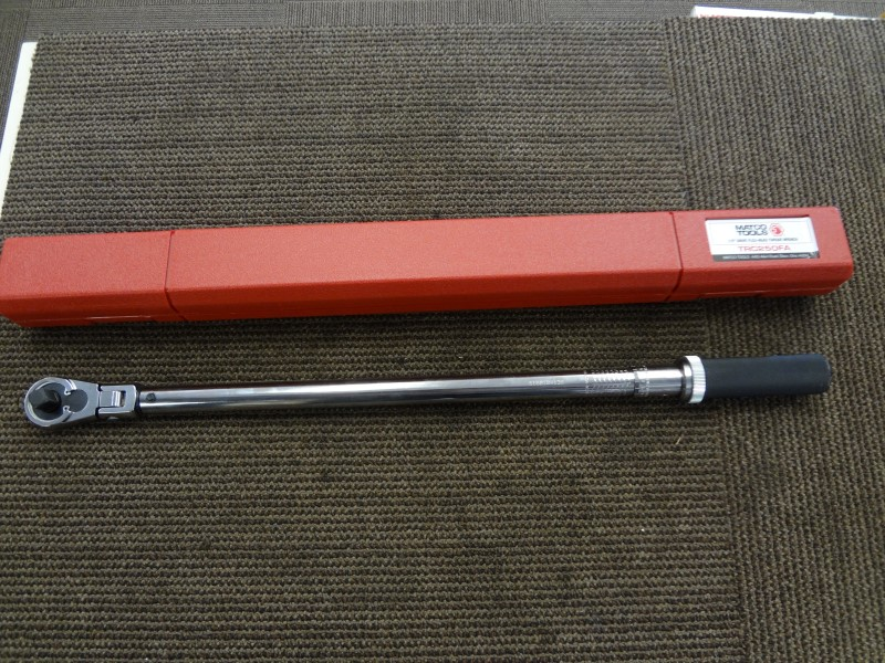 """MATCO TRC250FA 1/2"""" DRIVE FLEX-HEAD TORQUE WRENCH WITH MANUAL AND CASE"""