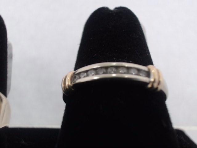 Lady's Gold Ring 10K White Gold 2.3g
