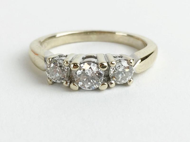 Diamond Ring w 3 Diamonds .70 Carat T.W. 18K White Gold 3.78g