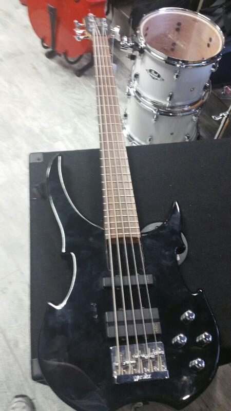 WARWICK Bass Guitar ROCK BASS 5 STRING VAMPYRE