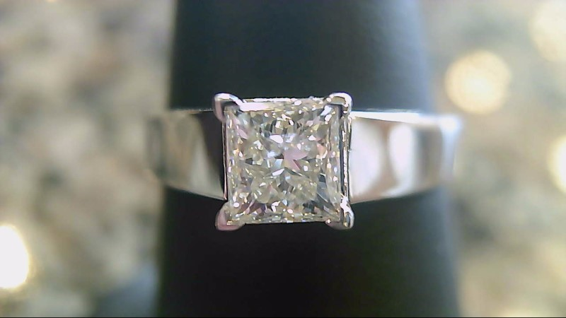 Lady's Diamond Engagement Ring .63 CT. 14K White Gold 4.1g Size:7