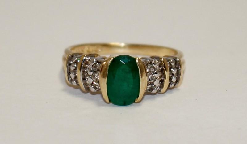 Emerald Lady's Stone & Diamond Ring 24 Diamonds .48 Carat T.W. 14K Yellow Gold