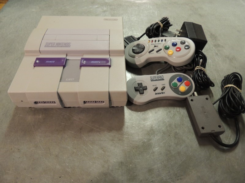 NINTENDO Super Nintendo SUPER NINTENDO CONSOLE - SNS001/SNS101