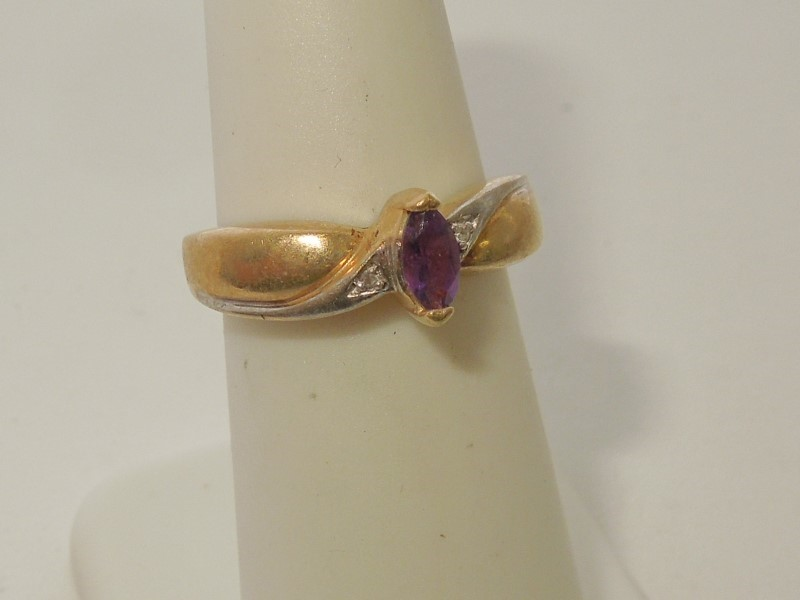 Synthetic Amethyst Lady's Stone Ring 10K Yellow Gold 3.3g Size:7
