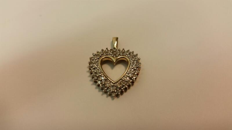 10k Heart Diamond Pendant 38 Dia .38ctw