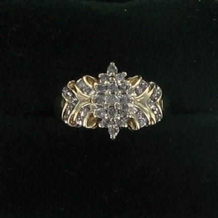 Lady's Diamond Fashion Ring 31 Diamonds 1.07 Carat T.W. 10K Yellow Gold 3.7dwt