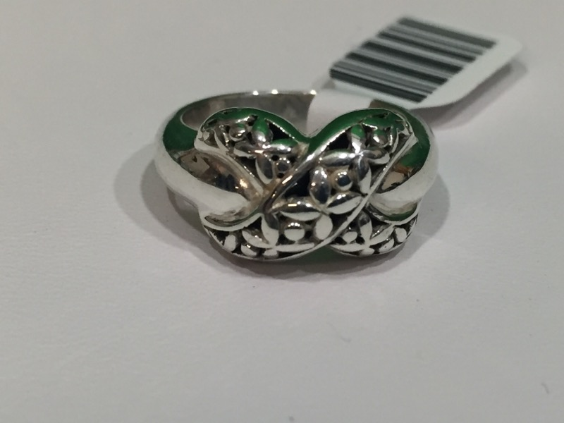 """Lady's Silver """"X"""" Ring Sterling Silver 7.1g Size:6"""