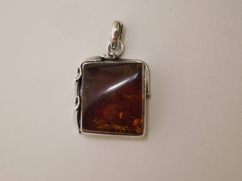 Synthetic Amber Silver-Stone Pendant 925 Silver 14.01g
