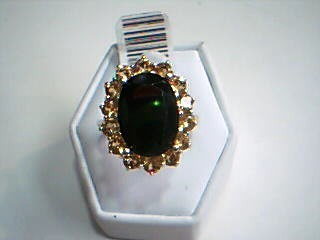 Red Stone Lady's Stone Ring 10K Yellow Gold 6.1g