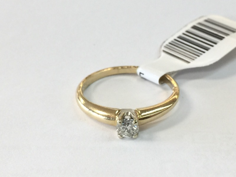 LDS 10KT Lady's Diamond Solitaire Ring CLEAR STONE .10 CT. 10K Yellow Gold