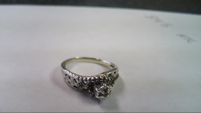 Lady's Sterling Silver Ring with 17 clear stones 2.9g size 6
